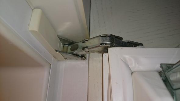 Kühlschrankscharnier (oben) - (Technik, Haushalt, Küche)