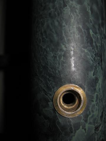 Metallbett -Gestänge mit Metallschrauben verschraubt - (Freizeit, Gewindebezeichnung, schraubenart)