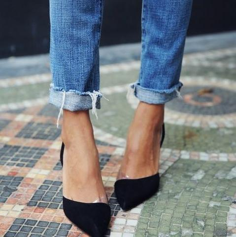 Wie nennt man diese Schuhe, die vorne spitz sind? (Frauen