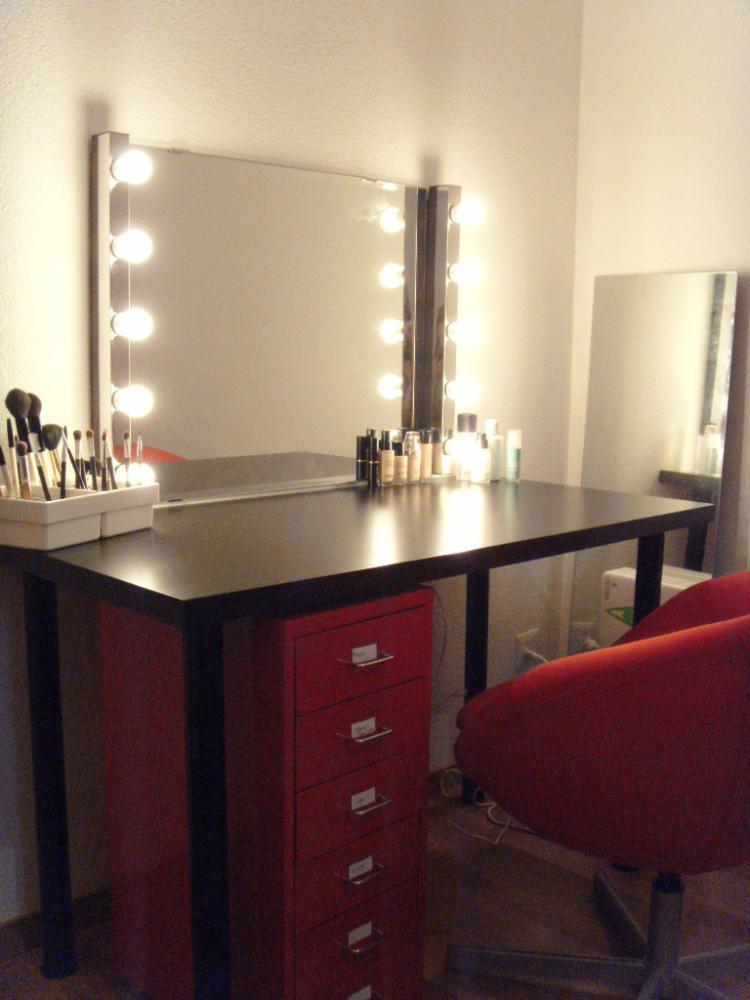 Wie nennt man diese spiegellampen theater lampe spiegel - Theaterspiegel mit beleuchtung ...