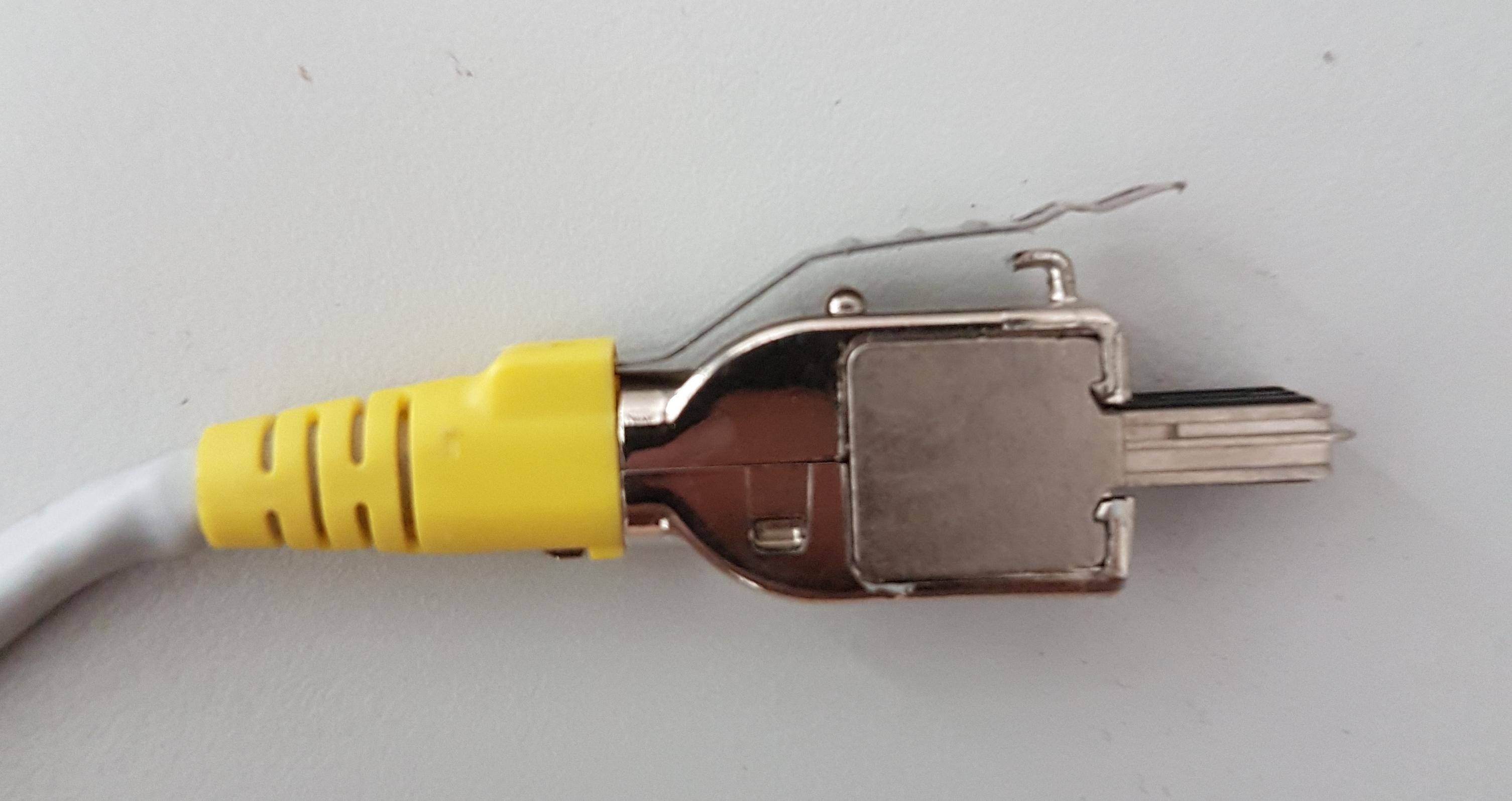 wie nennt man diesen lan stecker kabel lan kabel. Black Bedroom Furniture Sets. Home Design Ideas