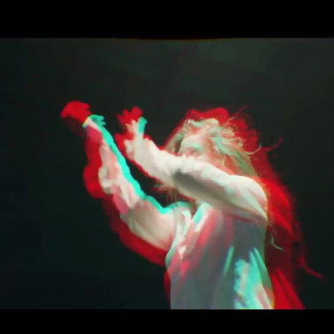 aus dem Musik Video von MAX- Lights down Low Dort ist der Effekt ebenfalls - (Bilder, Foto, Kunst)