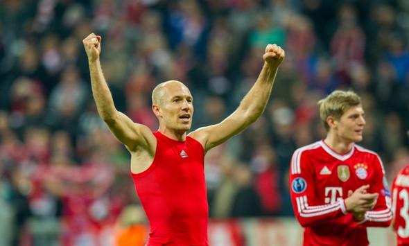Oberteil von Robben - (Sport, Fußball, Kleidung)