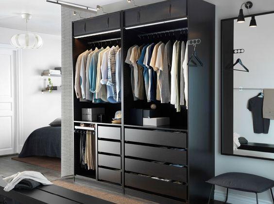 Wie nennt man offene Kleiderschränke, woher oder selbst bauen ...