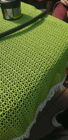 Wie nennt man so eine Tischdecke?