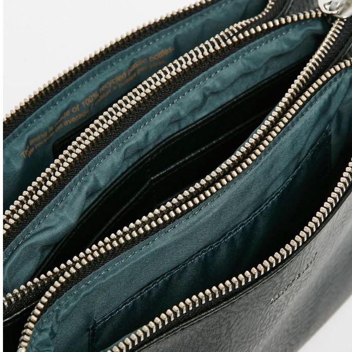 wie nennt man solche taschen mit mehreren f chern handtasche. Black Bedroom Furniture Sets. Home Design Ideas