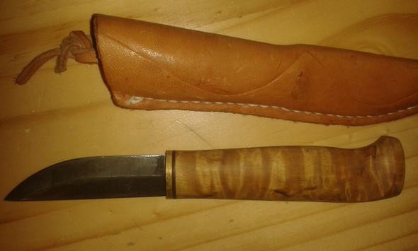 Solch eines, hat eine starre Klinge - (Messer, Schneidwerkzeug)