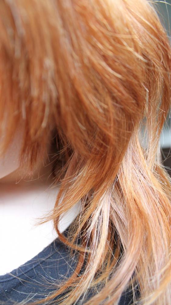 Wie oft muss ich meine Haare noch blondieren? (blond