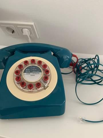 wie schließe ich dieses telefon an?
