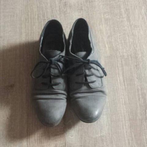 Bild 1. - (Mädchen, Frauen, Schuhe)