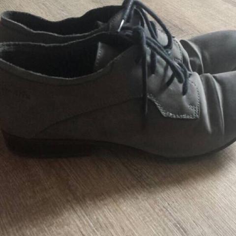 Bild 2.  - (Mädchen, Frauen, Schuhe)