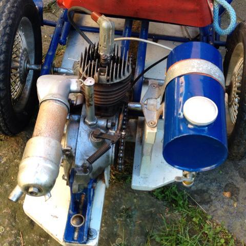 Wie stark ist ein 25 ccm Motor?