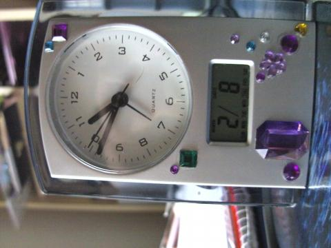 vorn - (digitale Datumseingabe Wecker, digitales Datum Wecker)