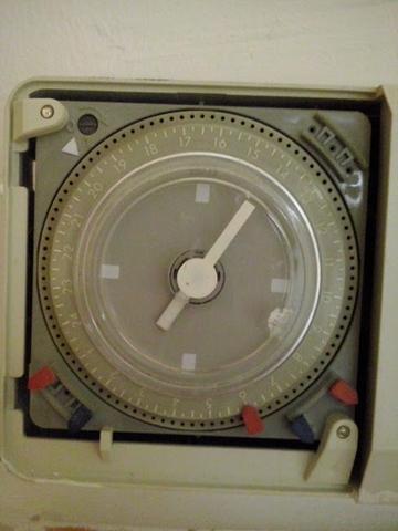 wie stelle ich diese zeitschaltuhr ein zeit uhr heizung. Black Bedroom Furniture Sets. Home Design Ideas