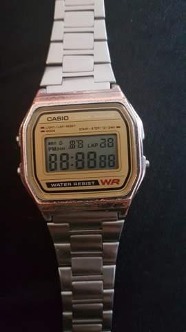 Wie stelle ich meine Uhr wieder zurück (Casio A158WE)?