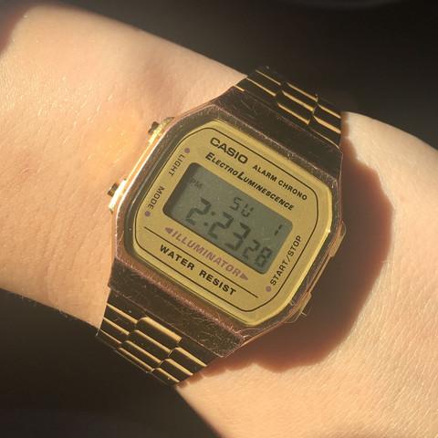 Die Uhr geht jetzt zwei Stunden vor  - (Zeit, Uhr, einstellen)