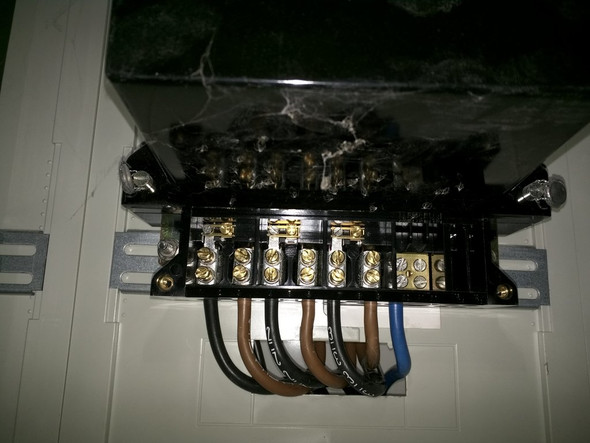Wie Stromsperre wieder entsperren ?