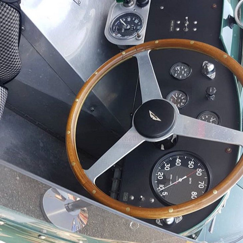 Foto @the_best_cars_switzerland - (Kamera, elektronisch, rare)