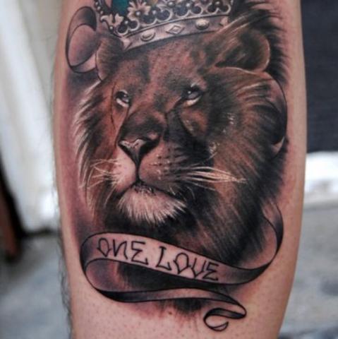 Tattoo Unterarm , so ca. Hat er es sich vorgestellt  - (Preis, Tattoo, Löwe)