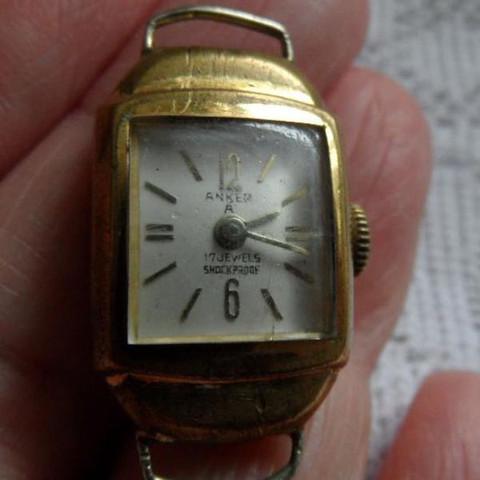 Anker  - (Preis, Uhr)