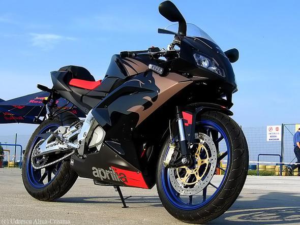 Modell 2 - (Motorrad, färben, lackieren)