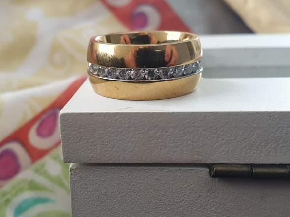 Wie viel hat dieser Ring gekostet?