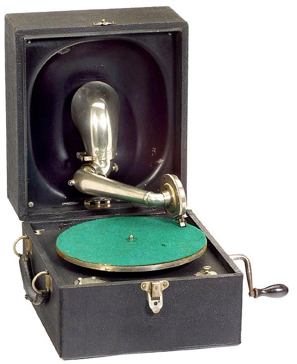 wie viel ist ca ein altes decca koffer grammophon wert verkaufen audio auktion. Black Bedroom Furniture Sets. Home Design Ideas
