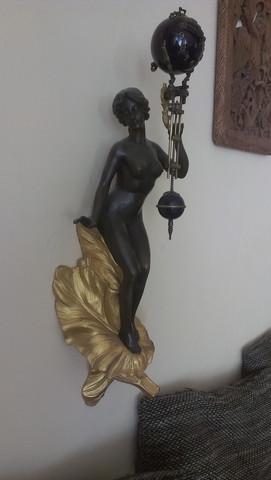 Weibliche Figur - (Uhr, wanduhr, Maurice Bouval)