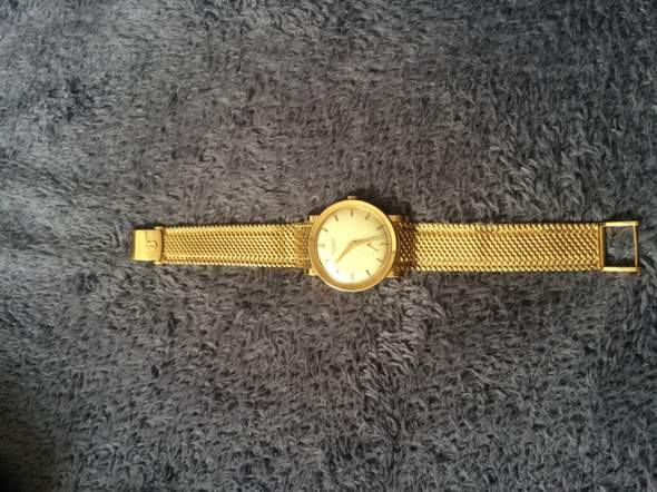 Wie viel ist diese Uhr wert, was denkt ihr?