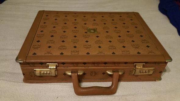 Koffer von MCM - (Mode, Wert, Marken.)