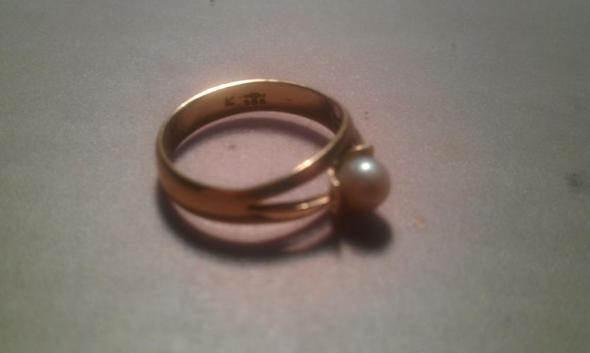 Der Ring - (Schmuck, Wert, Gold)