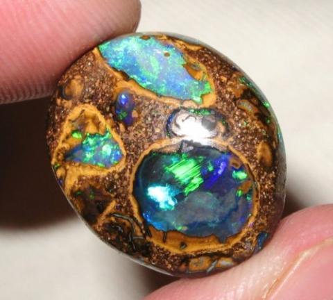wie viel kostet der opal was f r ne sorte steine. Black Bedroom Furniture Sets. Home Design Ideas