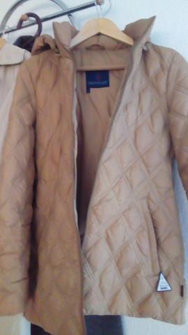 Wie viel kostet diese Moncler Jacke?