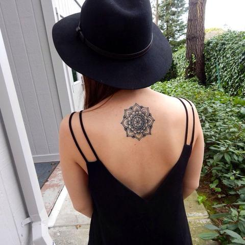 Wie Viel Kostet Ein Mandala Tattoo Frauen Nacken