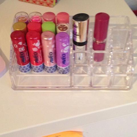 Lippenpflege - (Mädchen, Schminke)