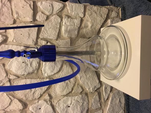 Wie viel Wasser kommt in eine Shisha (z.B. Mata Leon Amboss 3.0 blue)?