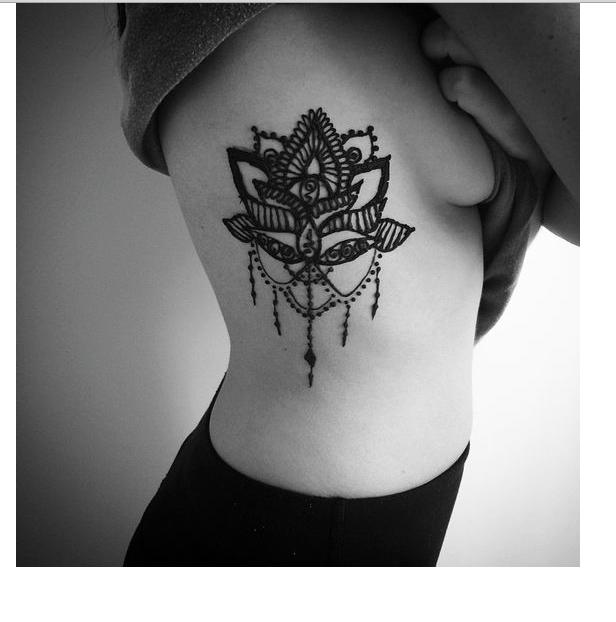 wie viel w rde ein lotus tattoo ca kosten. Black Bedroom Furniture Sets. Home Design Ideas