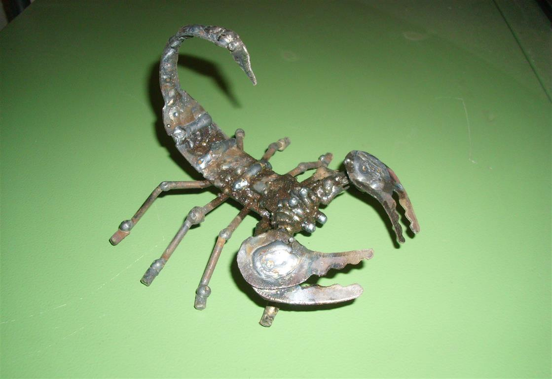 wie viel w rdet ihr f r diesen skorpion ausgeben aus metall geld ebay verkaufen. Black Bedroom Furniture Sets. Home Design Ideas