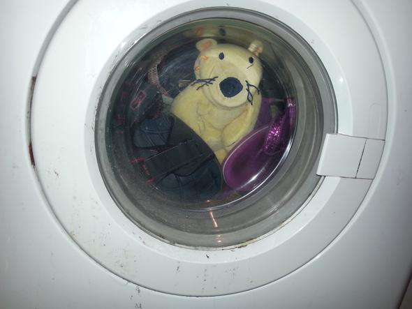 Anfang - (Schuhe, Wasser, Waschmaschine)