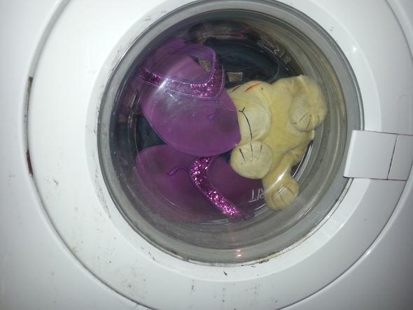 Ende - (Schuhe, Wasser, Waschmaschine)
