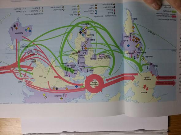 So sieht die Karte aus. Wirritiert sollen die Handelsströme auswerten. Nur Wie?  - (Schule, Erdkunde, Karten auswerten)