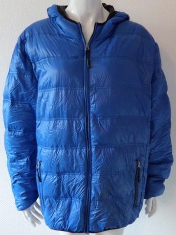 Wie würdet Ihr diese Farbe der Jacke nennen?