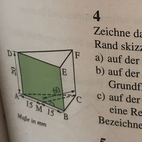 Dreiseitiges Prisma, keine weiteren Angaben als auf der Zeichnung. - (Mathe, zeichnen, schrägbilder)