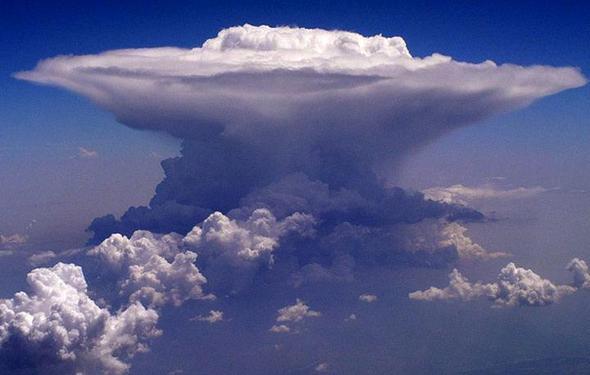 Wieso erscheinen Cumulonimbus-Wolken unheimlich? (Freizeit)