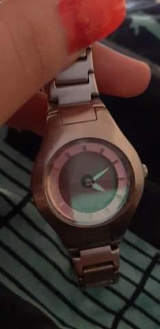 Wieviel bzw ist diese Fossil Uhr noch etwas wert?