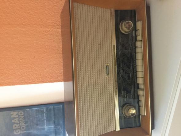 - (Radio, Antiquitäten)