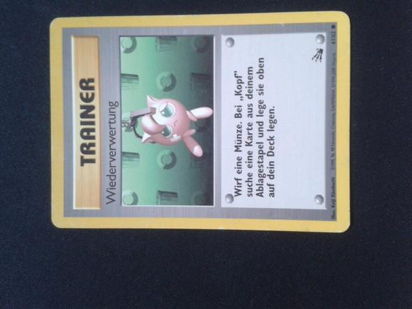 Vorderseite - (Geld, Pokemon, Karten)