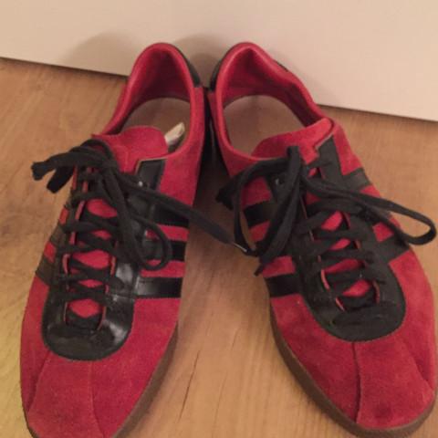 Von vorne  - (alt, adidas, Sneaker)