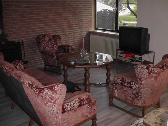 wieviel sind unsere m bel wert sofa. Black Bedroom Furniture Sets. Home Design Ideas