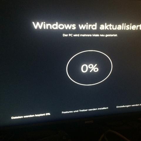 Windows  Update screen - (PC, Windows, Notebook)